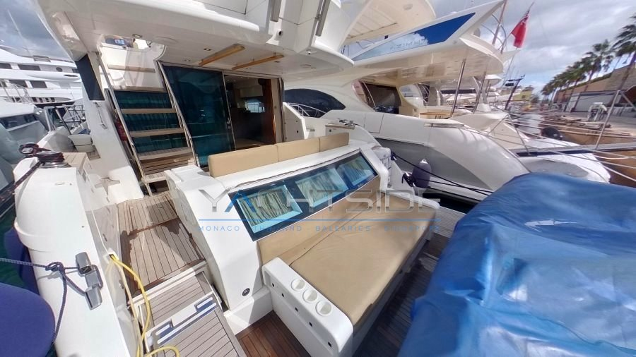 fairline_squadron_60_-_2013_flybridge_2.jpg